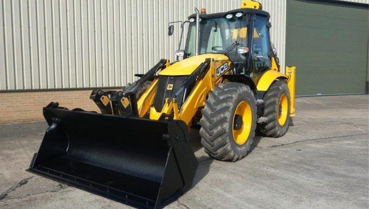 Трактор марки JCB за 4,3 млн руб. украли у безработного в ТиНАО