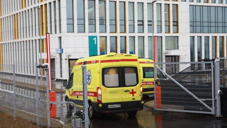 Прибывших в Москву с симптомами ОРВИ отправят в больницу в Коммунарке