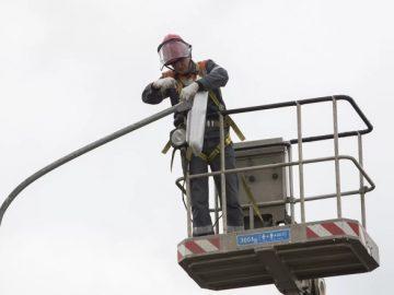 Моссвет установил новое освещение памятника в Кокошкино