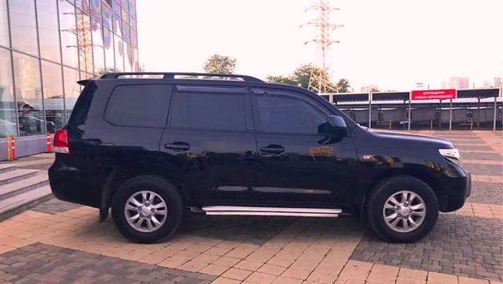 Внедорожник Toyota Land Cruiser за 3,5 млн руб. украли со стоянки бизнес-парка в ТиНАО. Тойота